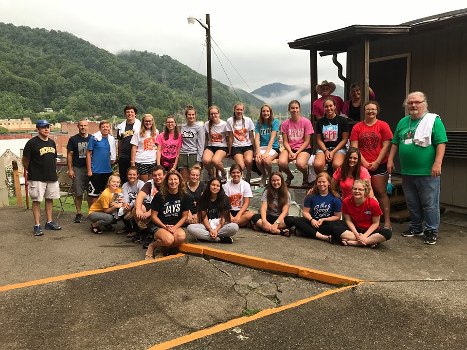 Mission Trip Group 2017 The United Methodist Church located in Petersburg IL Illinois 62675